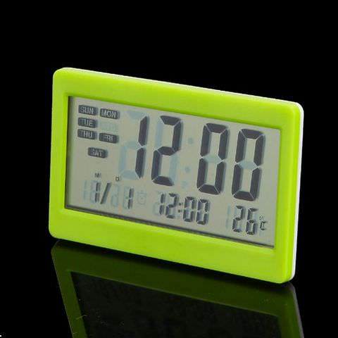 Настольные электронные часы с различными функциями