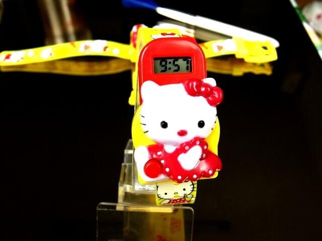 Детские электронные часы, изготовленные в причудливой форме