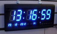 Часы с синим дисплеем