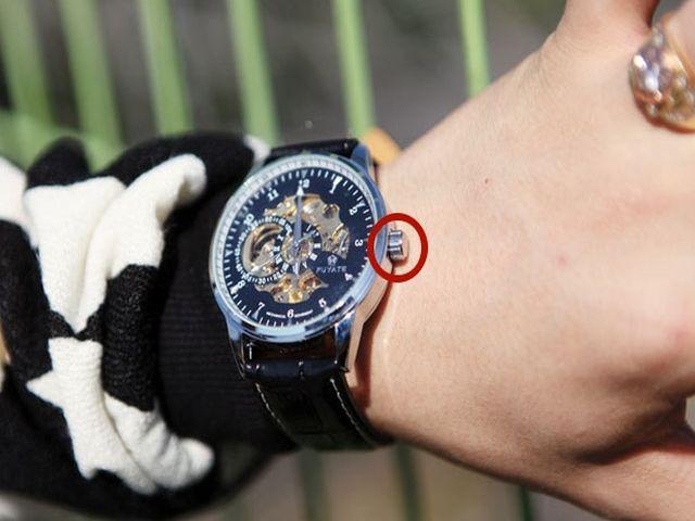На какой руке носят часы мужчины