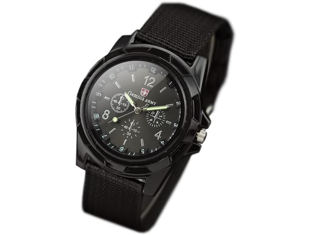Часы в черном цвете