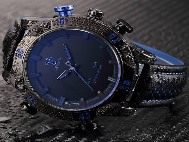 Стильные часы с кожаным ремешком