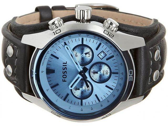 Часы с голубым циферблатом