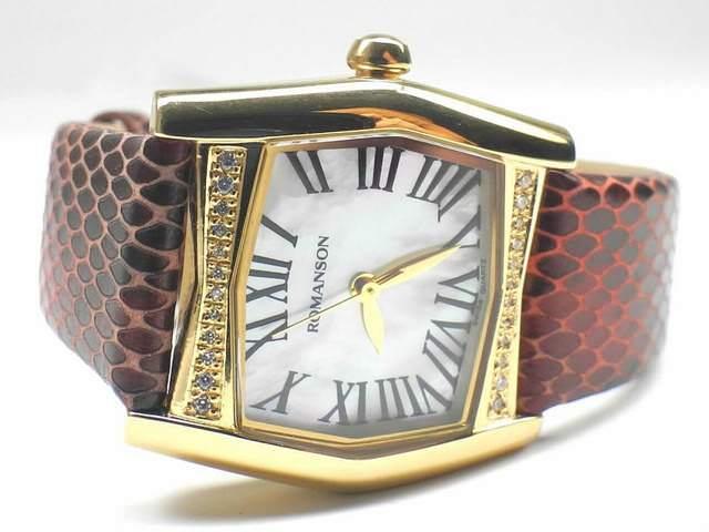 """Позолоченные часы с инкрустацией из камней с ремешком под """"змеиную кожу"""""""